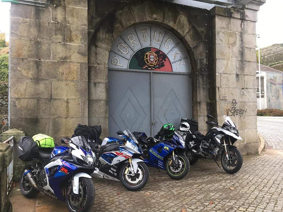 As 4 motos do grupo, em Portugal - Imagem do Facebook