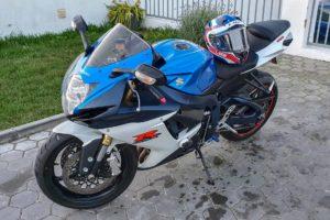 Crime moto azul suzuki gsr-x 750 furtada em Cascais, portugal