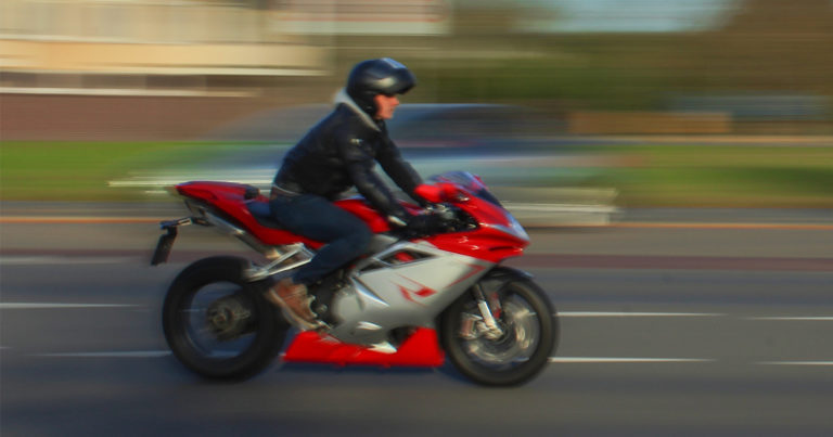 Alerta Crime Homem a Conduzir Motociclo - Imagem Ilustrativa - MelissaTG Flickr