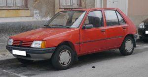 Peugeot 205 vermelho furtado, recuperado no Funchal
