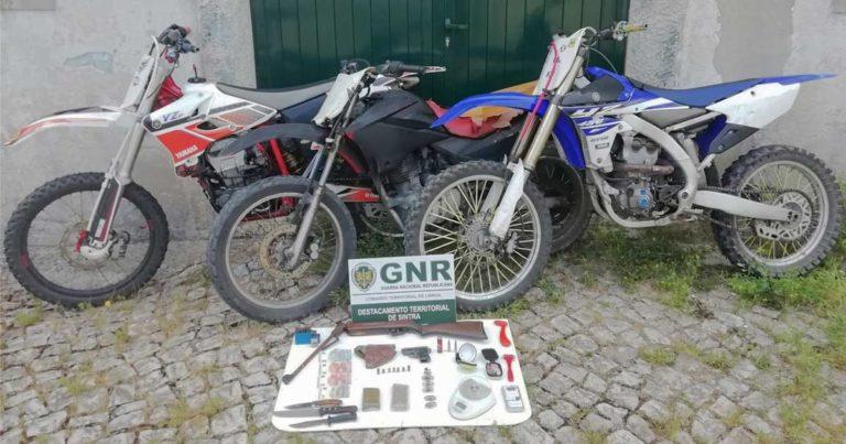 Motociclos furtados em Stand em Sintra, recuperados pela GNR em Cascais