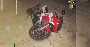 Motociclo Yamaha, vermelho, branco e preto, furtado, recuperado pela GNR na Quinta do Conde