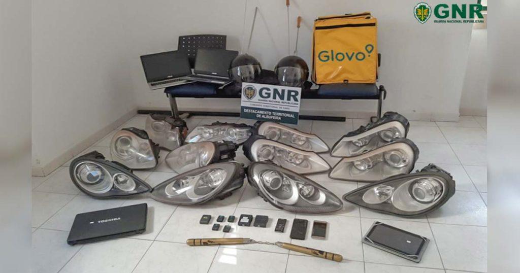 Detidos dedicavam-se ao furto de óticas de carros de gama alta