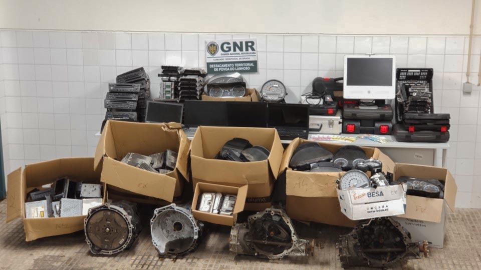 Centenas de peças de automóvel recuperadas na Póvoa de Lanhoso