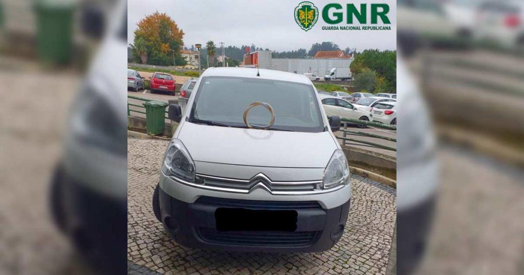 Citroen Berlingo, branca, furtada, recuperada pela GNR de Vila Nova de Poiares