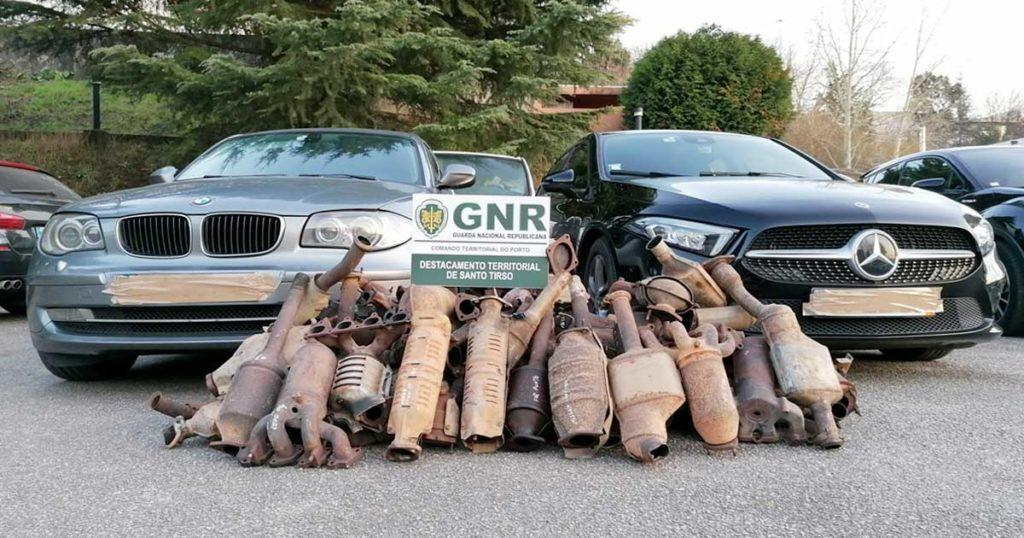 BMW Série 1, Mercedes e 50 catalisadores furtados, apreendidos pela GNR em Santo Tirso